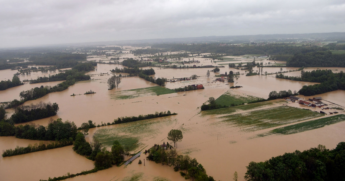 Pomozite poplavljenima! Please, help flood victims in the Balkans!