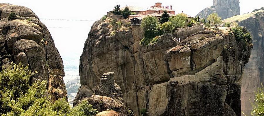 Meteori  Dom Manastira Gra U0111enih Na Nebeskim Stubovima