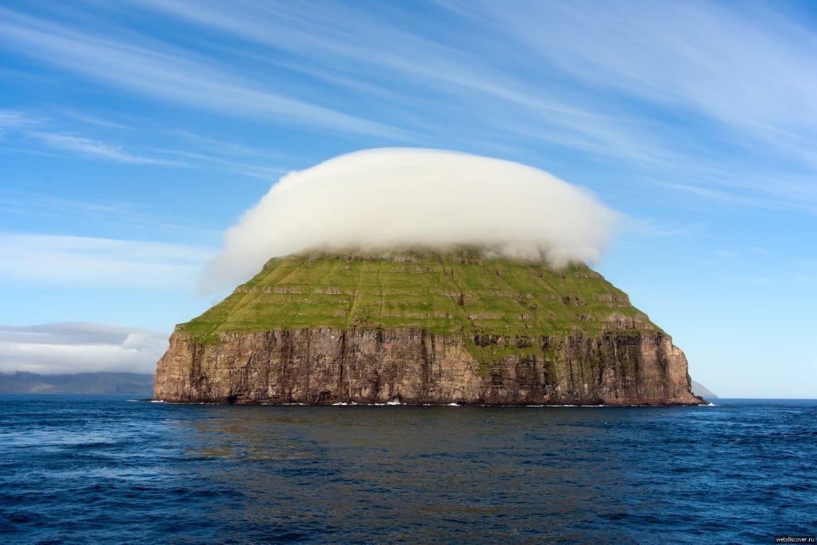 'OSTRVO SA ŠEŠIROM': Malo je dana u godini kada 'Litla Dimun' nije prekriven lentikularnim oblacima!